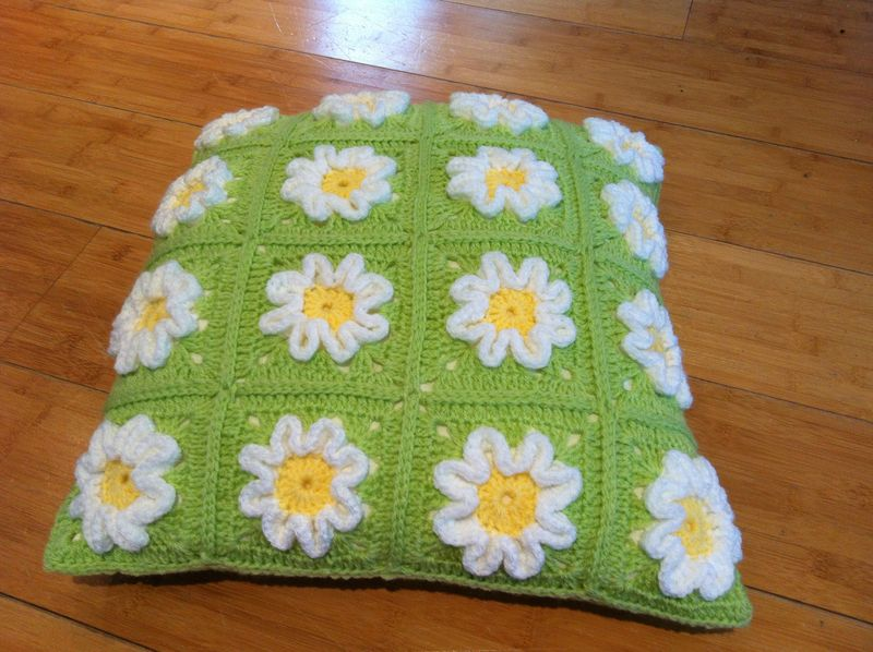 Daisycushiongreen